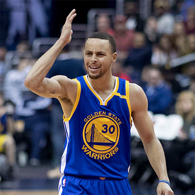 how much can Stephen Curry bench press?